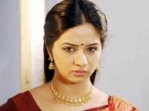 https://tamil.filmibeat.com/img/2010/12/02-thaa200.jpg