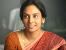 http://tamil.filmibeat.com/img/2011/03/24-jyothirmayi11-200.jpg