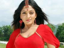 https://tamil.filmibeat.com/img/2011/07/06-sheela300.jpg