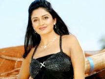 https://tamil.filmibeat.com/img/2011/07/27-vimala-raman6-300.jpg.jpg