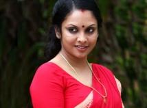 http://tamil.filmibeat.com/img/2011/10/02-jyothirmayi300.jpg