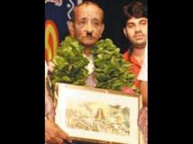https://tamil.filmibeat.com/img/2011/10/23-loose-mohan300.jpg