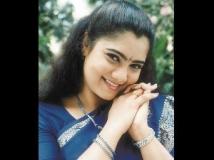 http://tamil.filmibeat.com/img/2012/05/25-yuvarani-3002.jpg