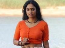 http://tamil.filmibeat.com/img/2012/07/17-jyothirmayi-hot-photos-300.jpg