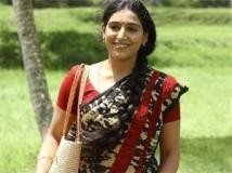 https://tamil.filmibeat.com/img/2012/08/27-padmapriya21-300.jpg