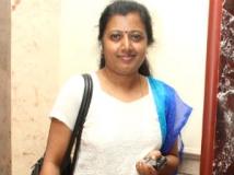 https://tamil.filmibeat.com/img/2012/10/05-tamarai-11.jpg