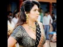 http://tamil.filmibeat.com/img/2012/11/02-bhuvaneswari-half-saree-pho.jpg