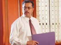 http://tamil.filmibeat.com/img/2012/11/22-grish-garnad-300.jpg