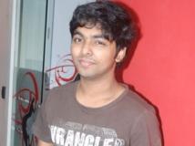 http://tamil.filmibeat.com/img/2012/12/17-gv-prakash-300.jpg