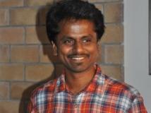 http://tamil.filmibeat.com/img/2013/04/19-ar-murugadoss-56-300.jpg