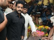 http://tamil.filmibeat.com/img/2013/10/10-srihari8-600-jpg.jpg