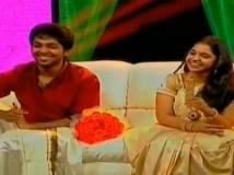 https://tamil.filmibeat.com/img/2013/11/05-gv-prakash-saindhavi2-600.jpg