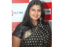 http://tamil.filmibeat.com/img/2013/12/06-swarnamalya-actress-600.jpg