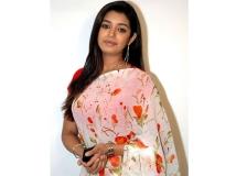 http://tamil.filmibeat.com/img/2014/01/21-chaya-singh-2-600.jpg