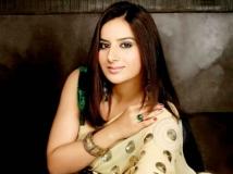 https://tamil.filmibeat.com/img/2014/08/31-pooja-gandhi2434-600.jpg