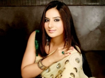 http://tamil.filmibeat.com/img/2014/08/31-pooja-gandhi2434-600.jpg