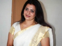 http://tamil.filmibeat.com/img/2014/11/06-i-don-t-bother-about-ranjith-second-marriage-says-priya-raman-600.jpg