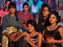http://tamil.filmibeat.com/img/2014/12/17-1418812313-james-vasanthan-vaanavil-vaazhkai1-600.jpg
