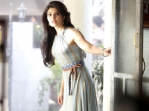 http://tamil.filmibeat.com/img/2015/01/13-1421145422-jacqueline-fernandez-1-2-60.jpg
