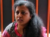 https://tamil.filmibeat.com/img/2015/05/18-1431944831-thamarai4545.jpg
