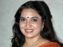 https://tamil.filmibeat.com/img/2015/07/06-1436178113-suganya61.jpg