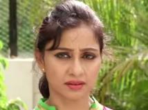 https://tamil.filmibeat.com/img/2015/08/05-1438757819-kuladeivam097.jpg