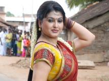 https://tamil.filmibeat.com/img/2015/11/30-1448863769-sona-1-600.jpg