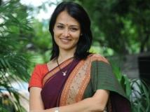 http://tamil.filmibeat.com/img/2016/01/03-1451816515-amala45.jpg