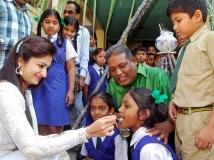 https://tamil.filmibeat.com/img/2016/01/18-1453092842-actress-shivani-sankranti-celebration2-600.jpg