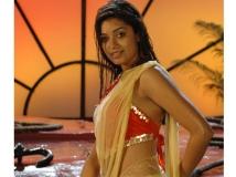 http://tamil.filmibeat.com/img/2016/02/20-1455939718-chaya-singh-actress-hot-2-6.jpg