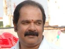https://tamil.filmibeat.com/img/2016/05/05-1462437703-suresh-krishna-director.jpg
