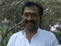 http://tamil.filmibeat.com/img/2016/06/08-1465379470-deva--2-600.jpg