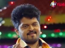 http://tamil.filmibeat.com/img/2016/09/uchathula-siva32-18-1474198720.jpg