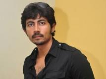 http://tamil.filmibeat.com/img/2016/11/karthik-kumar--600-02-1478069620.jpg