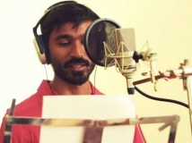 http://tamil.filmibeat.com/img/2017/09/dhanush-21-1505987957.jpg