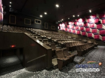 https://tamil.filmibeat.com/img/2017/11/luxe-cinemas-phoenix-market-09-1510216207.jpg