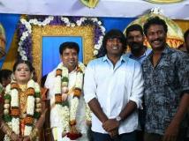 http://tamil.filmibeat.com/img/2017/11/nalankumarasamy-saranya-director-2-10-1510295281.jpg