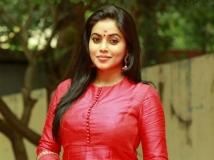 http://tamil.filmibeat.com/img/2017/11/poorna-d-d-600-25-1511604441.jpg