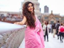 http://tamil.filmibeat.com/img/2018/05/poonam-kaur23-1526270880.jpg