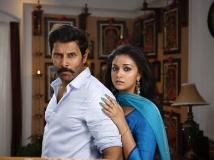 http://tamil.filmibeat.com/img/2018/07/saamy-2-stills-1532438252.jpg