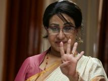 https://tamil.filmibeat.com/img/2018/09/sheela4-1535947752.jpg