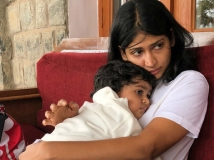 http://tamil.filmibeat.com/img/2018/09/viji014515-1538223649.jpg