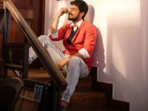 http://tamil.filmibeat.com/img/2018/10/harish-kalyan4-1539674064.jpg