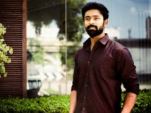 https://tamil.filmibeat.com/img/2018/10/shanthanu-1540624287.jpg