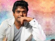 https://tamil.filmibeat.com/img/2018/11/harris-jayaraj-1--1541659583.jpg