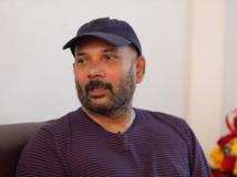 https://tamil.filmibeat.com/img/2019/02/directorchezhiyan2-1550727645.jpg
