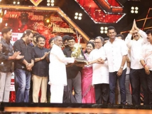 http://tamil.filmibeat.com/img/2019/02/ilaiyaraaja-75--1549255311.jpg