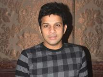 http://tamil.filmibeat.com/img/2019/02/singer-karthik-02-1550735504.jpg