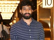 https://tamil.filmibeat.com/img/2019/03/adhikravichandran-1551761147.jpg