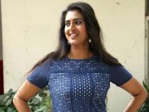 https://tamil.filmibeat.com/img/2019/04/kasthuri-shankar-155177529700-1554958522.jpg